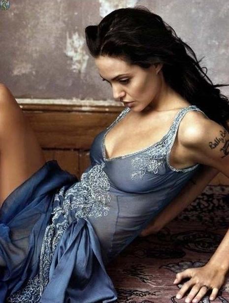 Angelina Jolie Nackt. Fotografie - 31