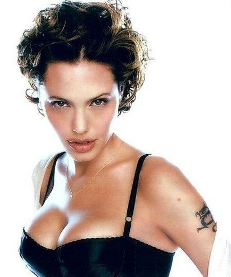 Angelina Jolie Nackt. Fotografie - 33
