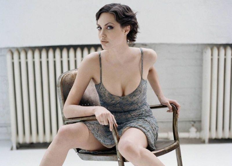 Angelina Jolie Nackt. Fotografie - 39