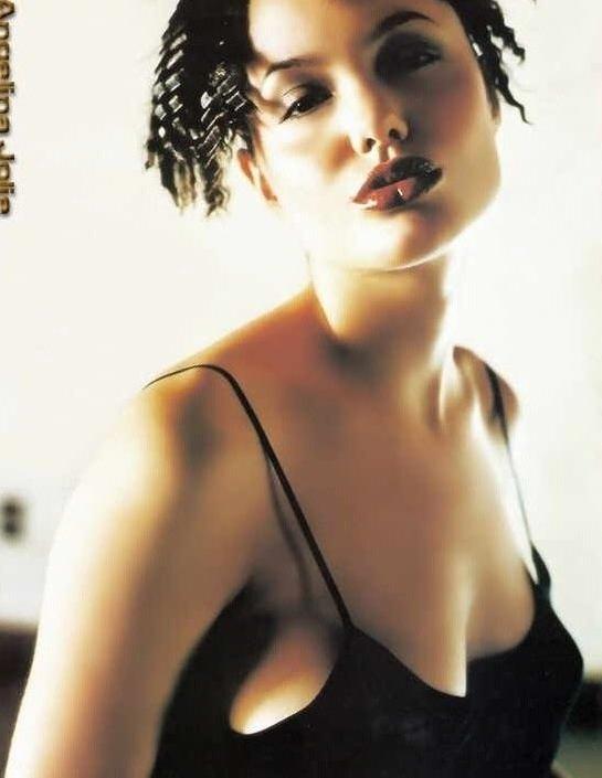 Angelina Jolie Nackt. Fotografie - 41