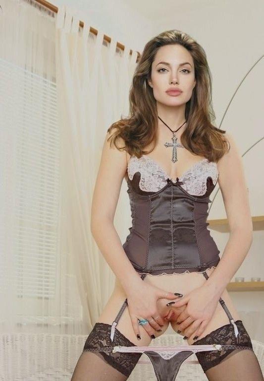 Angelina Jolie Nackt. Fotografie - 77