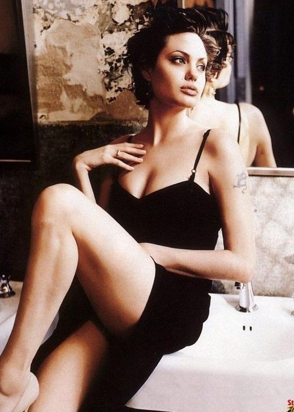 Angelina Jolie Nackt. Fotografie - 78