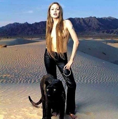 Angelina Jolie Nackt. Fotografie - 97