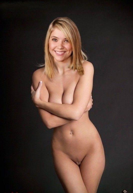 Эшли Бенсон голая. Фото - 6