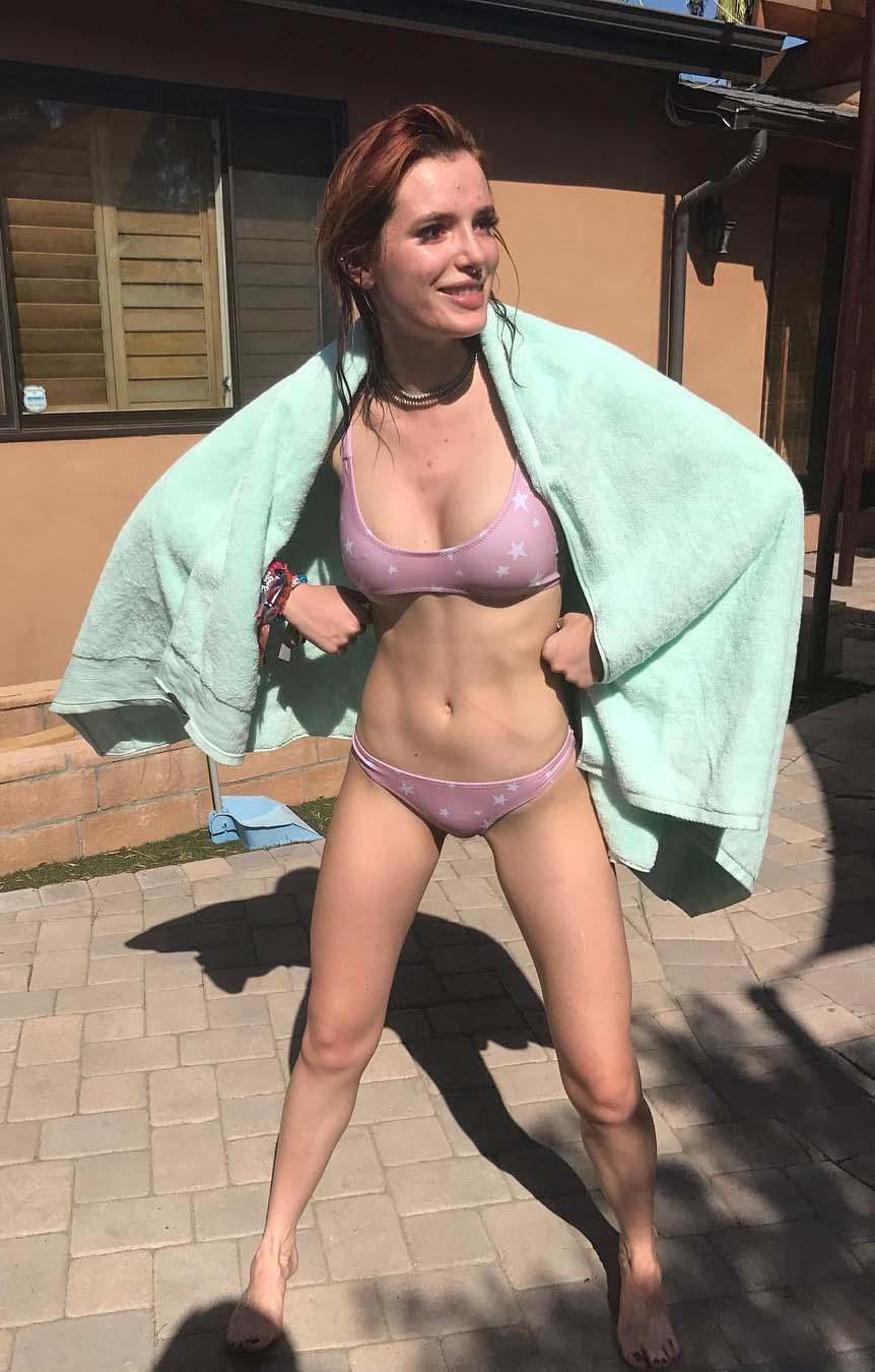 Bella Thorne nahá. Fotka - 33