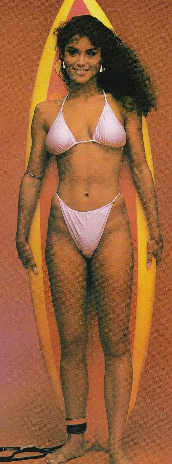 Бетси Расселл голая. Фото - 1