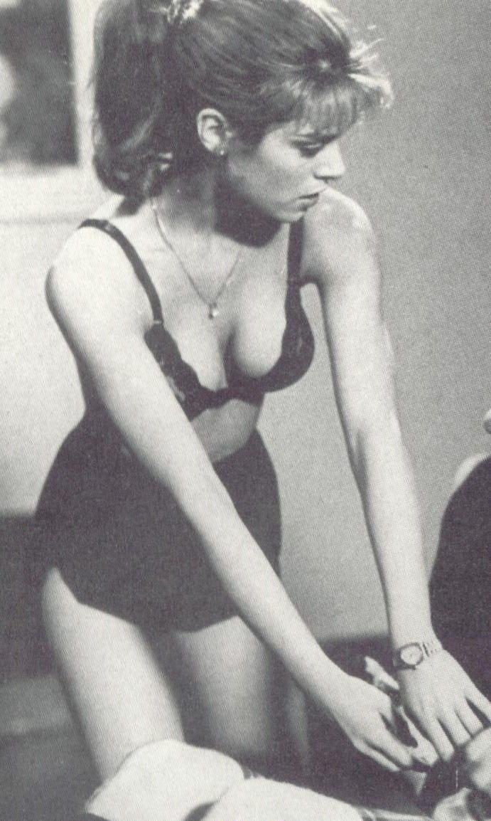 Бетси Расселл голая. Фото - 5