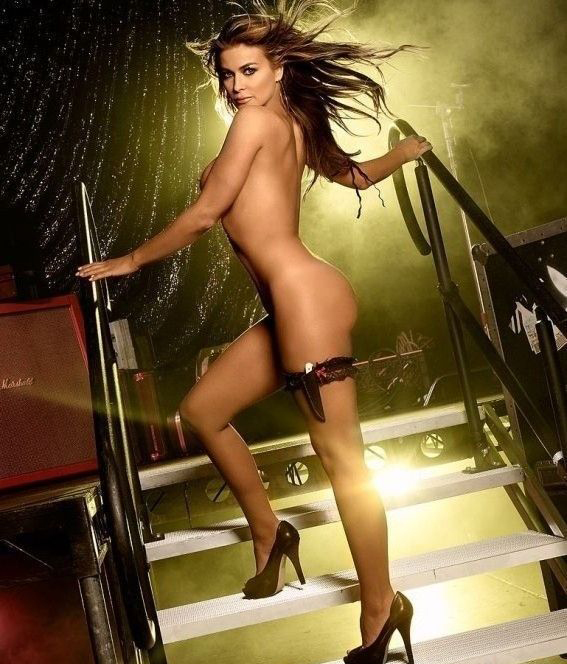 Кармен Электра голая. Фото - 21