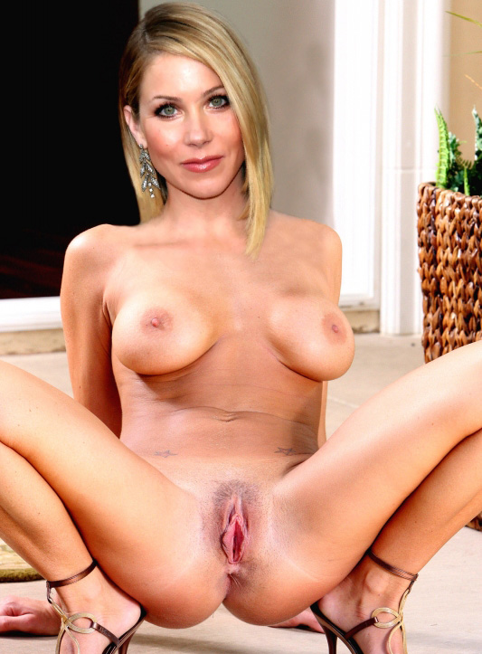 Naked pictures of christina applegate