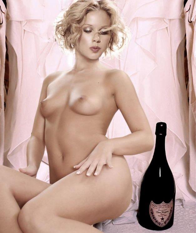 naked-christina-applegate