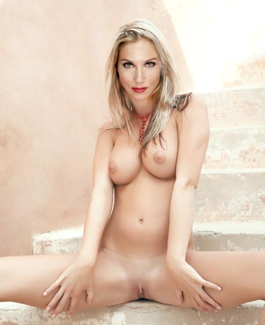 Christina Applegate Nackt. Fotografie - 95