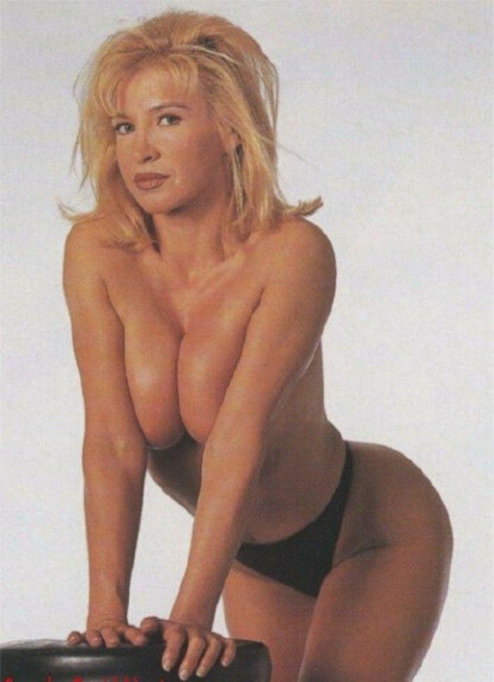 Синтия Ротрок голая. Фото - 1