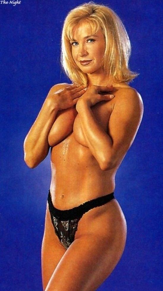 Синтия Ротрок голая. Фото - 3