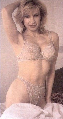 Синтия Ротрок голая. Фото - 7