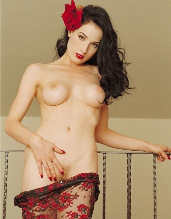 Dita Von Teese nude. Photo - 2
