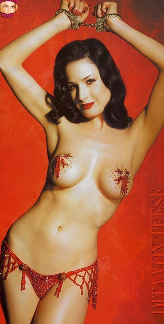 Dita Von Teese nude. Photo - 20