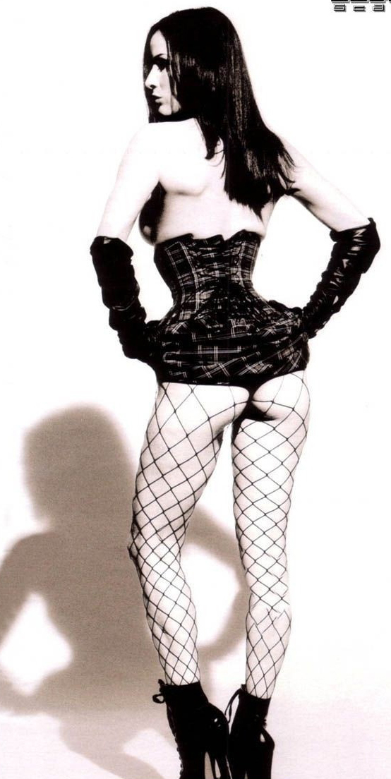 Dita Von Teese nude. Photo - 25