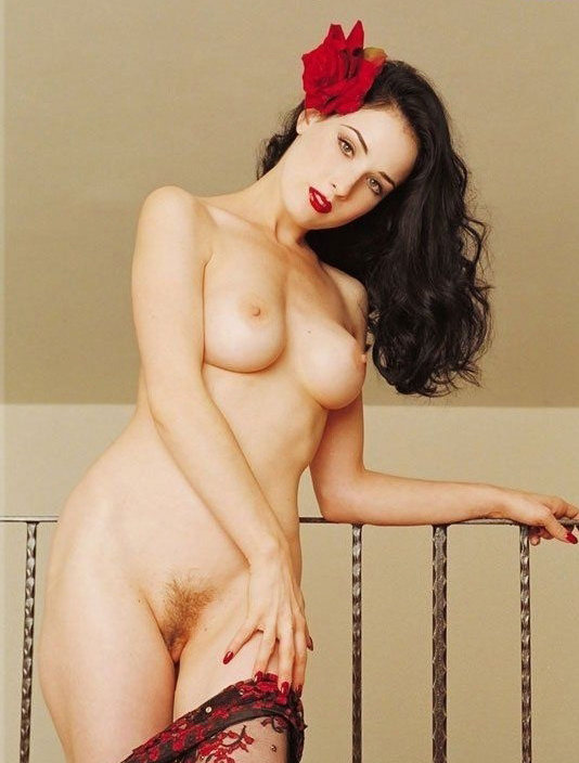 Dita Von Teese nude. Photo - 3