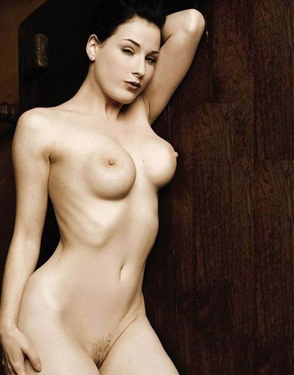 Dita Von Teese nude. Photo - 5