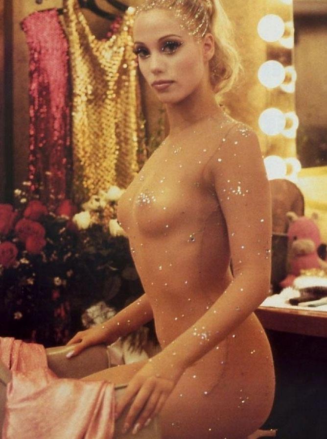 Элизабет Беркли голая. Фото - 1