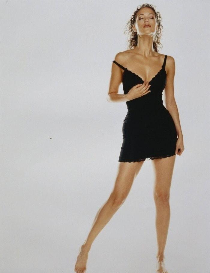 Элизабет Беркли голая. Фото - 19