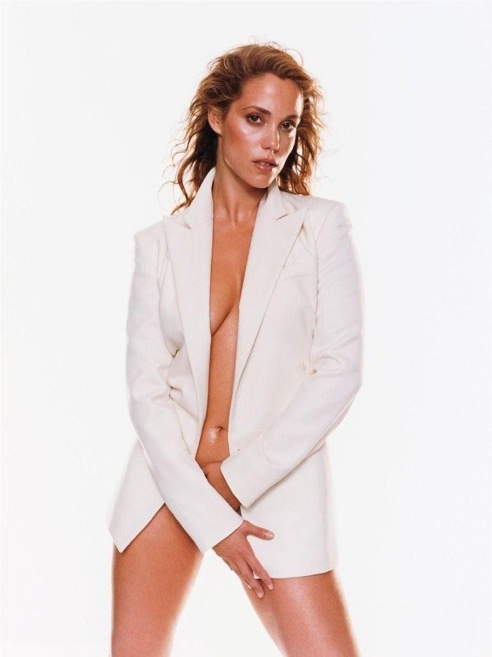 Элизабет Беркли голая. Фото - 23