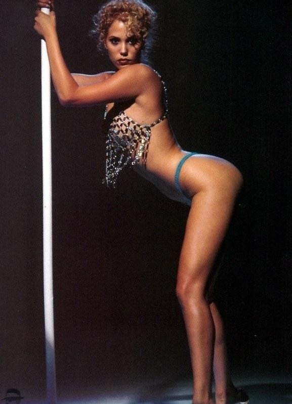 Элизабет Беркли голая. Фото - 5