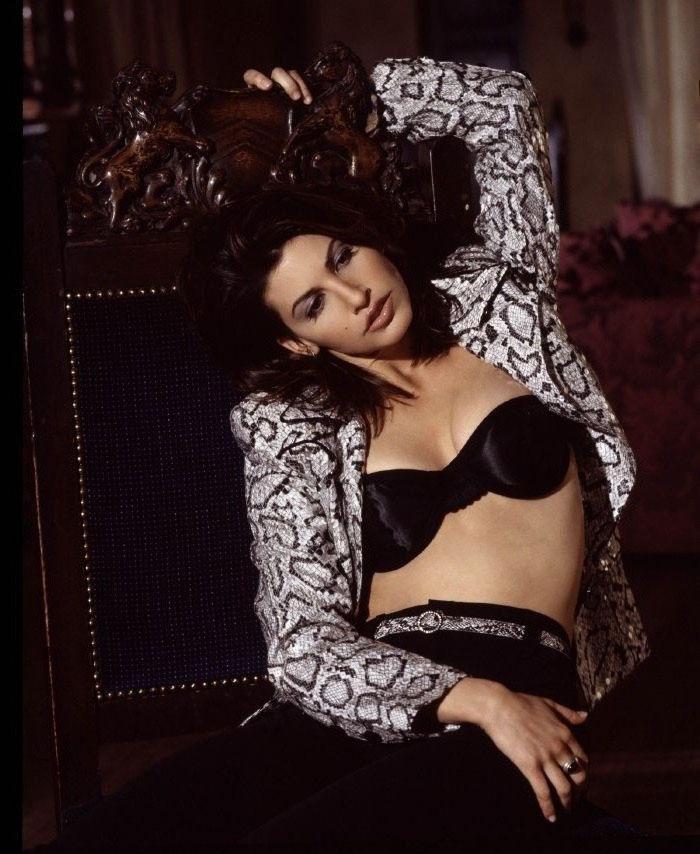 Джина Гершон голая. Фото - 15