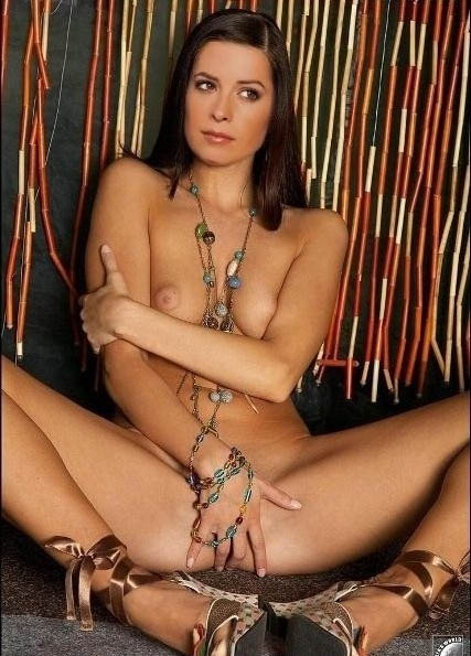 Holly Marie Combs nude. Photo - 7