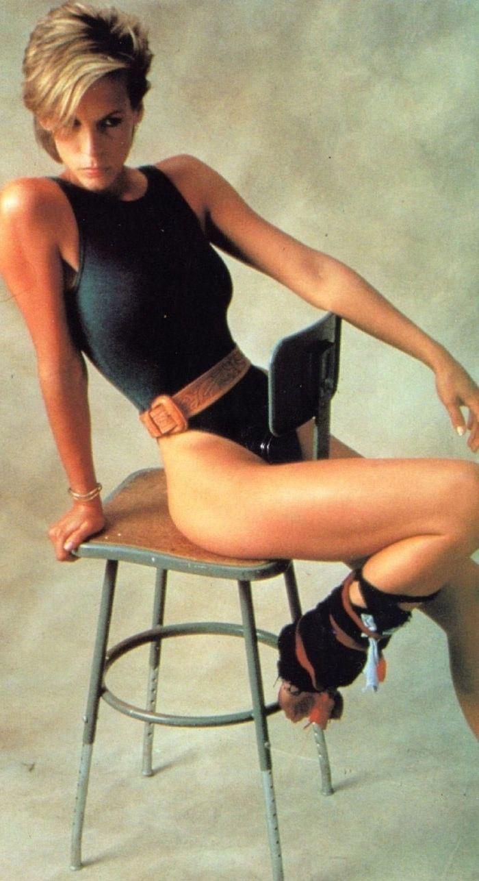 Джейми Ли Кёртис голая. Фото - 17