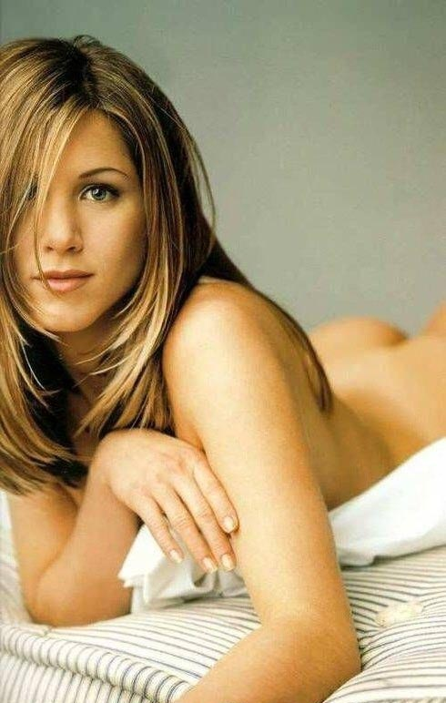 Jennifer Aniston nude. Photo - 2