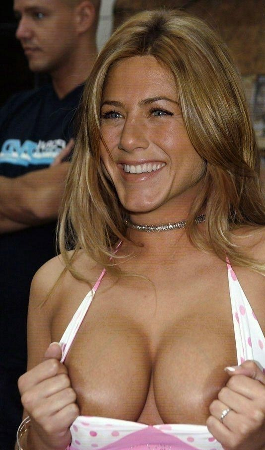 Jennifer Aniston nude. Photo - 33