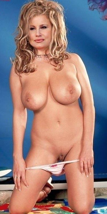 jennifer-coolidge-busty-kuait-porn-photo