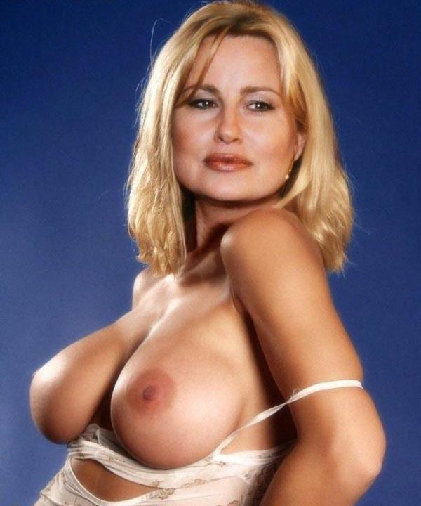 Jennifer coolidge tits naked