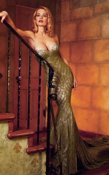 Джери Райан голая. Фото - 1