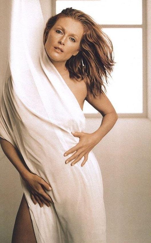 Джулианна Мур голая. Фото - 18