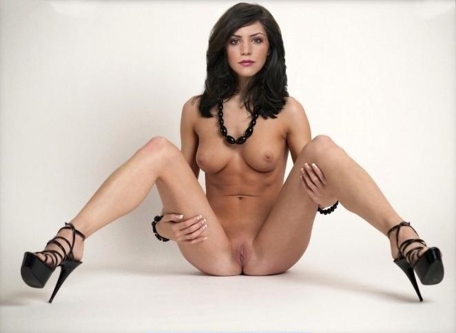 Кэтрин Макфи голая. Фото - 8