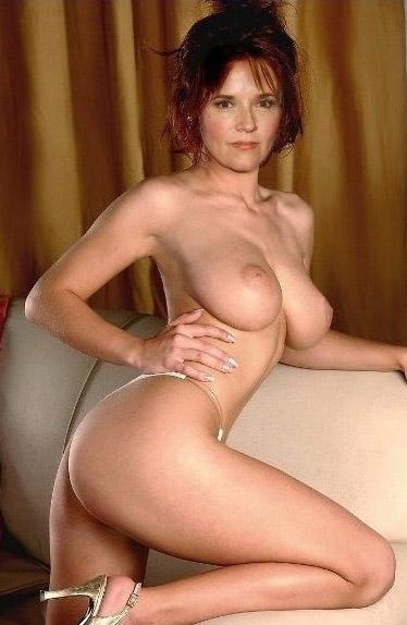 Лиа Томпсон голая. Фото - 25