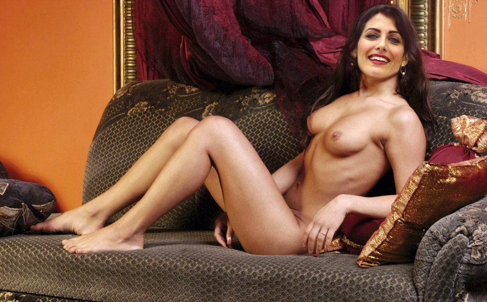 Cuddy shows her butty lisa edelstein nude on house