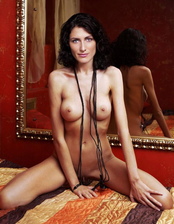lisa-edelstein-naked-nude-homely-old-aunties