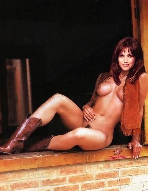 Мэнди Мур голая. Фото - 17