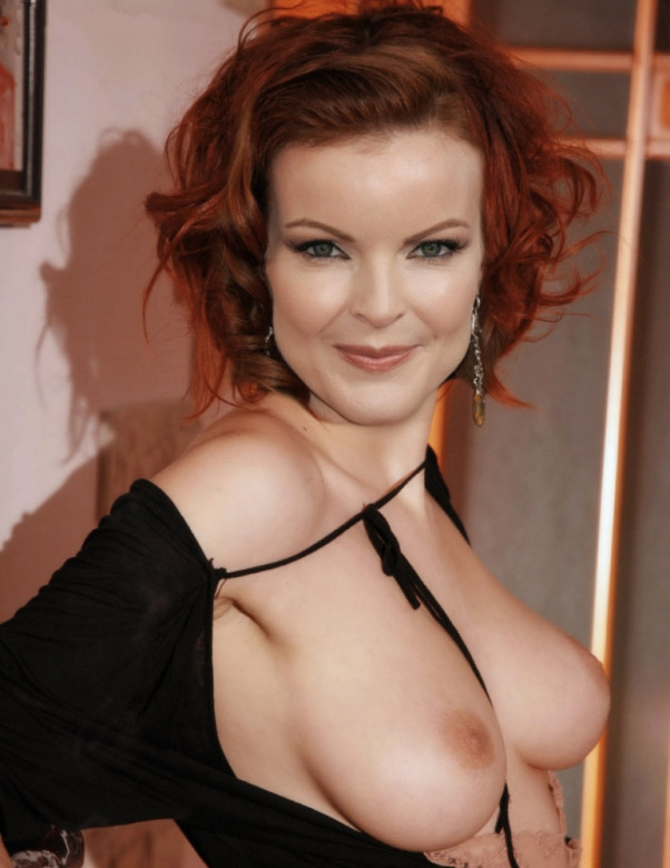 marcia-cross-boobs-naked