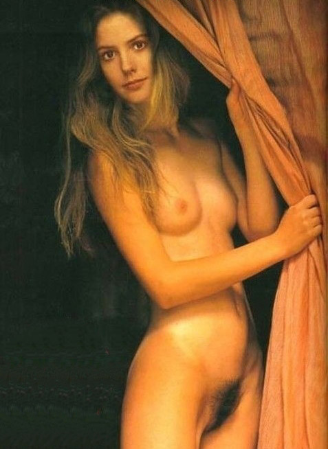 Mary-Louise Parker nude. Photo - 13