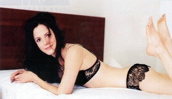 Mary-Louise Parker nude. Photo - 2