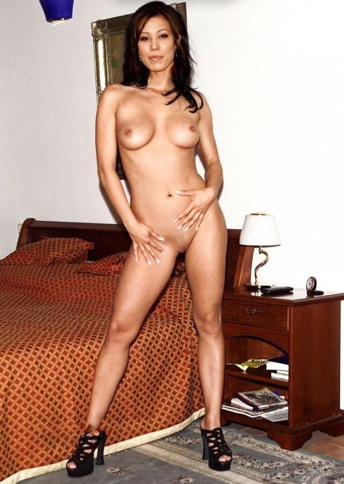 Микаэла Конлин голая. Фото - 8