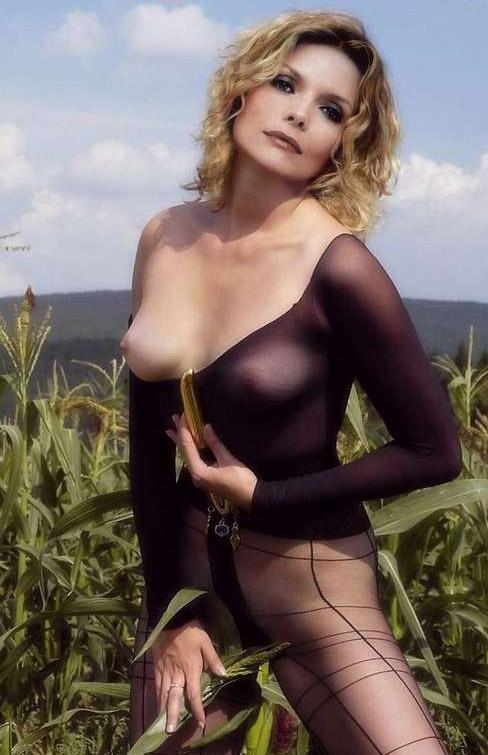 Michelle Pfeiffer Nackt. Fotografie - 79