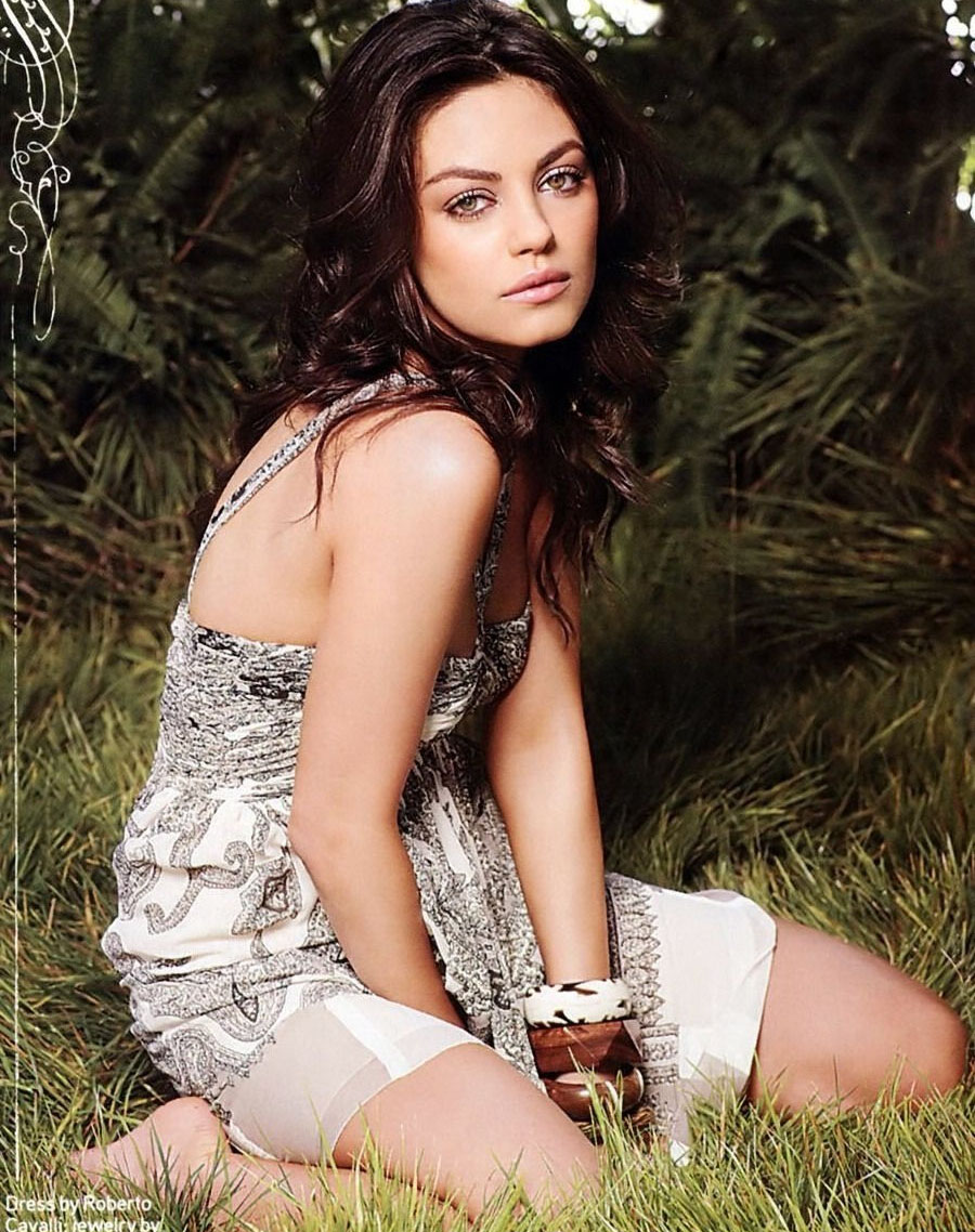 Mila Kunis nude. Photo - 29