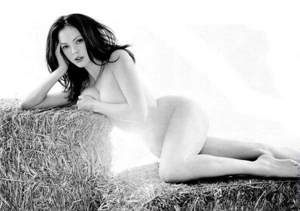Роуз Макгоуэн голая. Фото - 46