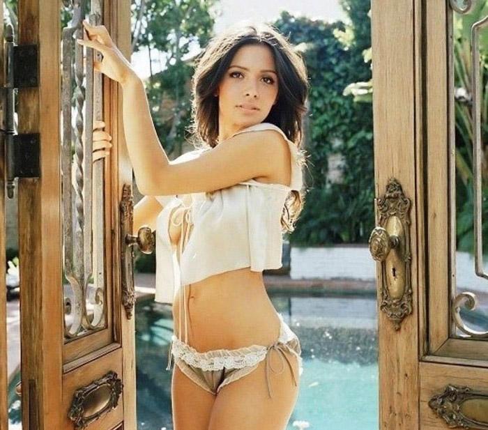 Сара Шахи голая. Фото - 11
