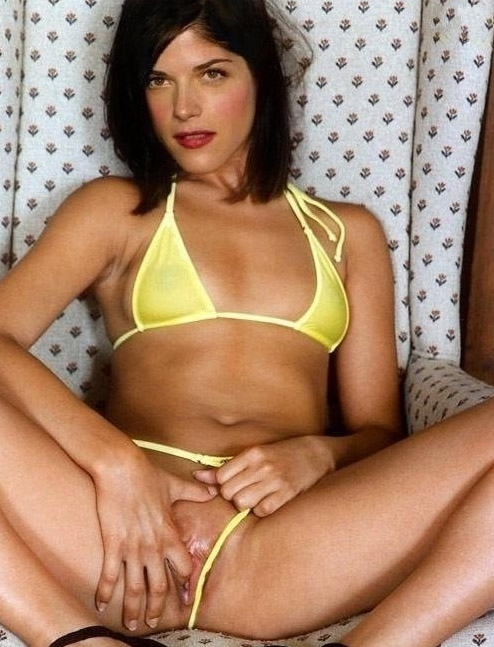 Selma Blair Camel Toe